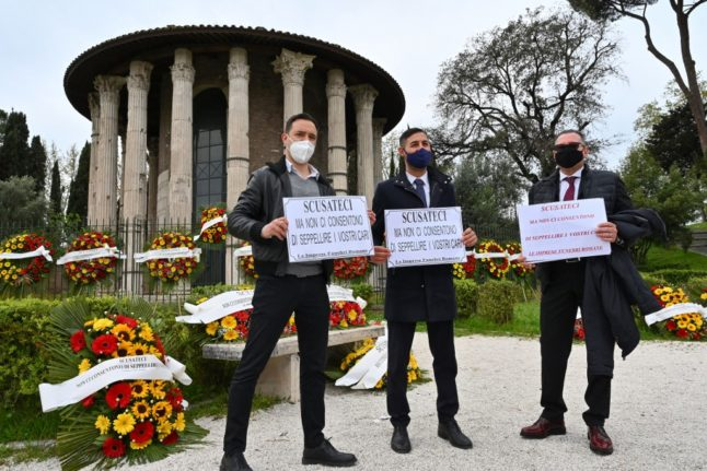 'Sorry we can't bury your loved ones': Rome funeral directors protest against Italian red tape