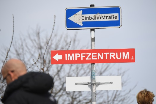 'First success': Is Germany's accelerated vaccine rollout impacting third wave?