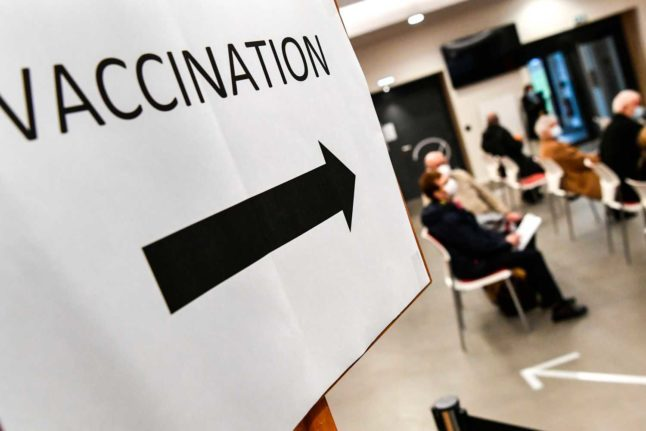 Pharmacy vs GP vs vaccination centre: Where should I get vaccinated in Switzerland?