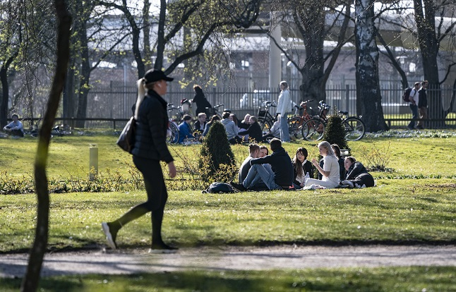 'Even more isolating than before': How the pandemic changed friendships for Sweden's foreign residents