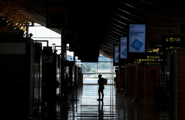 How some Americans in Spain are flying back home to get the Covid vaccine sooner