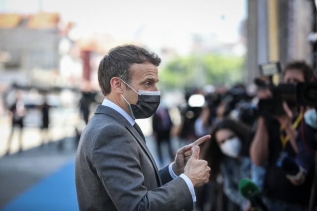 Macron calls on US and UK to stop blocking vaccine exports