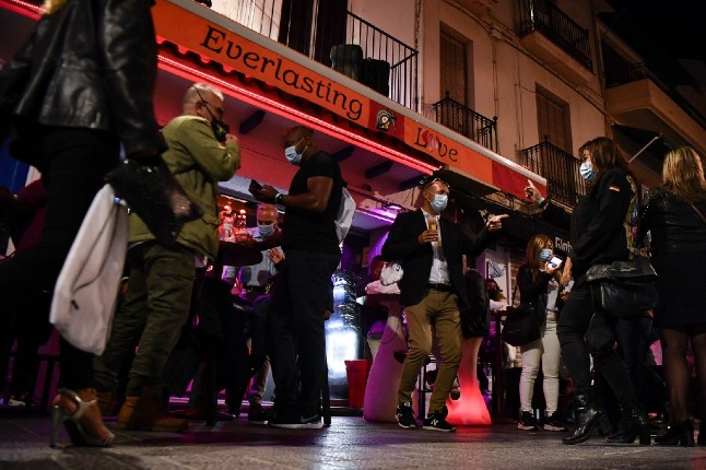 Spanish town parties like it's 2019... and it's all in the name of science