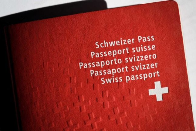 EXPLAINED: Why is Switzerland debating naturalisation – and what does it mean for you?