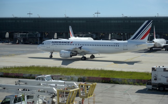 Americans and Canadians to be free to travel to France under new Covid entry rules