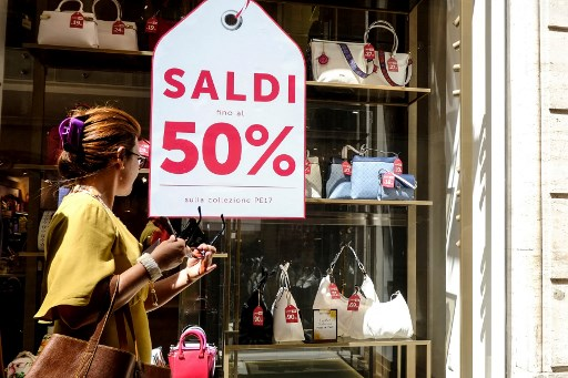 Italian regions delay summer sales period in order to help shop owners