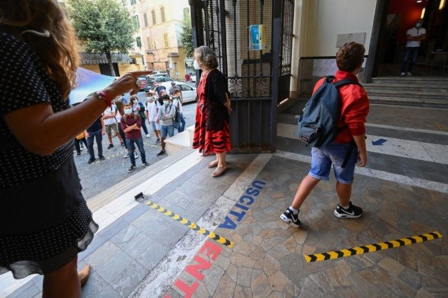 Covid-19: Italian schools set to keep using masks and distancing from September