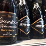 French Champagne makers threaten boycott of Russia over 'sparkling wine' label