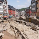Why weren't all residents of Germany's flood zones warned via text?