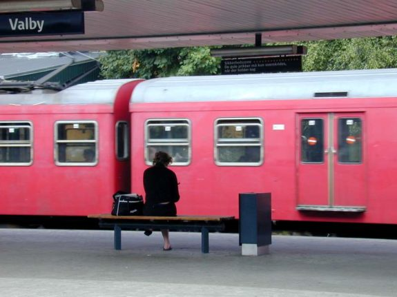 Woman pushed in front of train at Copenhagen train station