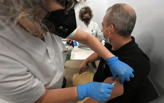 Switzerland: Can your employer ask if you are vaccinated?