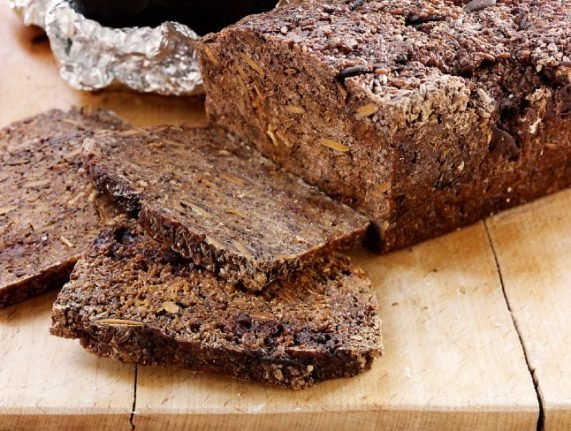 Do Danes really eat rugbrød for at least one meal every day?