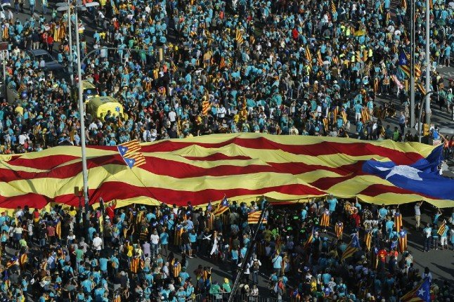 Huge crowds expected in Barcelona ahead of Madrid talks