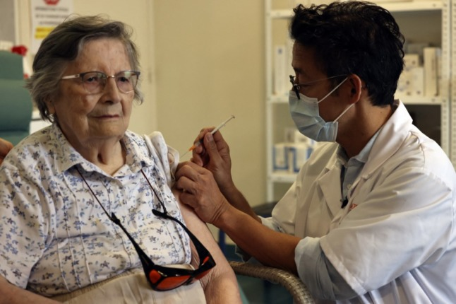 Italy extends third dose of Covid vaccine to the over 80s and care homes