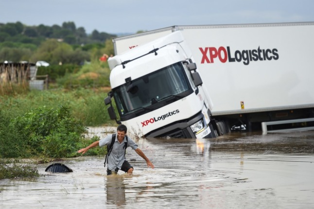 New weather alerts in four French départements after record-breaking storms