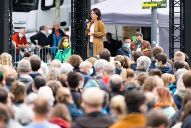 German election roundup: Facing climate change, coalition trust issues and Merkel bids goodbye to Stralsund