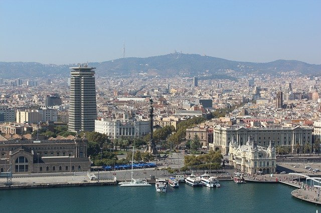 Spanish property news roundup: Number of homes for sale dips but positive outlook forecast
