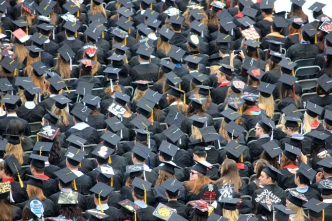 How much do university graduates earn in Switzerland - and who earns the most?