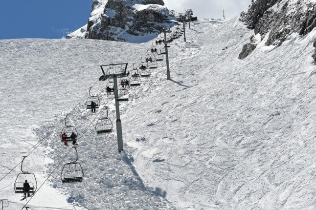 France 'considering' making health pass compulsory for ski lifts