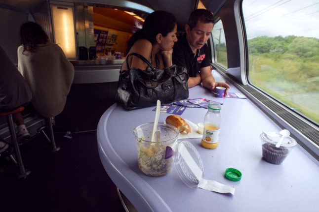 French trains ditch plastic water bottles