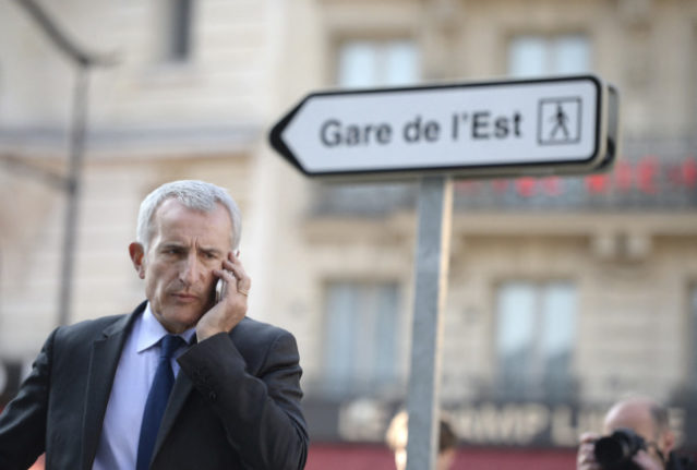 Why Paris is scrapping hundreds of signposts