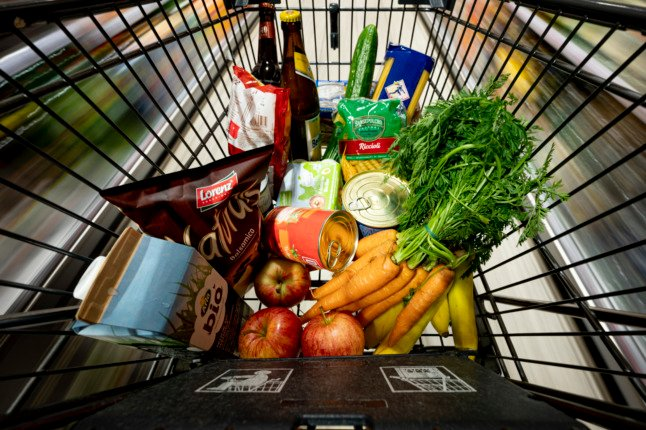 Germany expects consumer price rises to peak this year