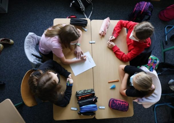 German experts divided over state plans to relax Covid mask rules in schools