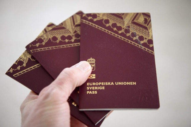 Reader question: Can British-Swedish dual citizens apply for post-Brexit residency status?